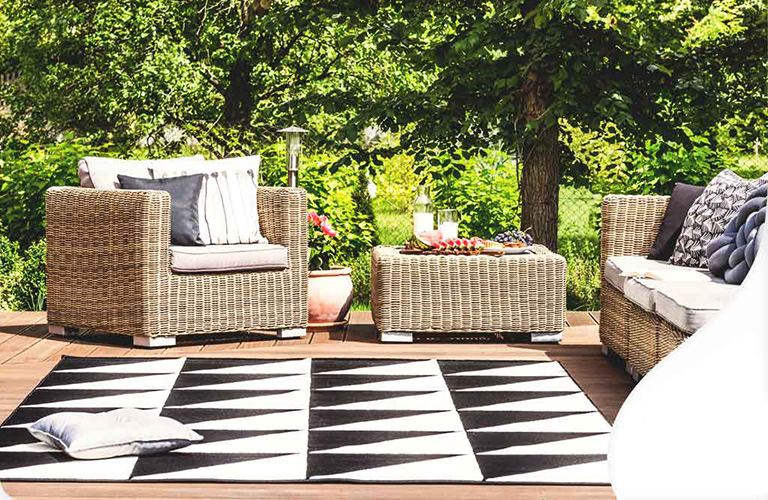 3 Tips to Get Your Deck Ready for Entertaining