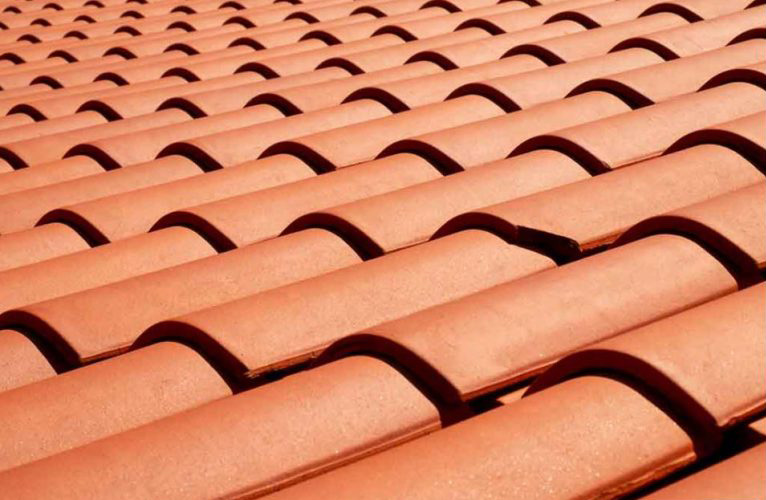 4 Suitable Roofing Materials for Warm Climates