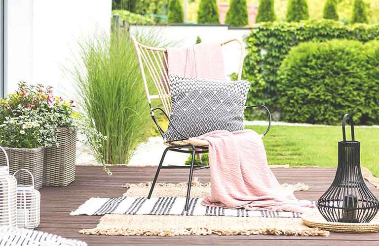 5 Great Summer Decorating Tips for Your Deck